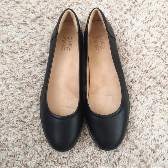 a96467a058 Naturalizer Shoes   Nib Flexy Black Leather Flats 9w   Poshmark